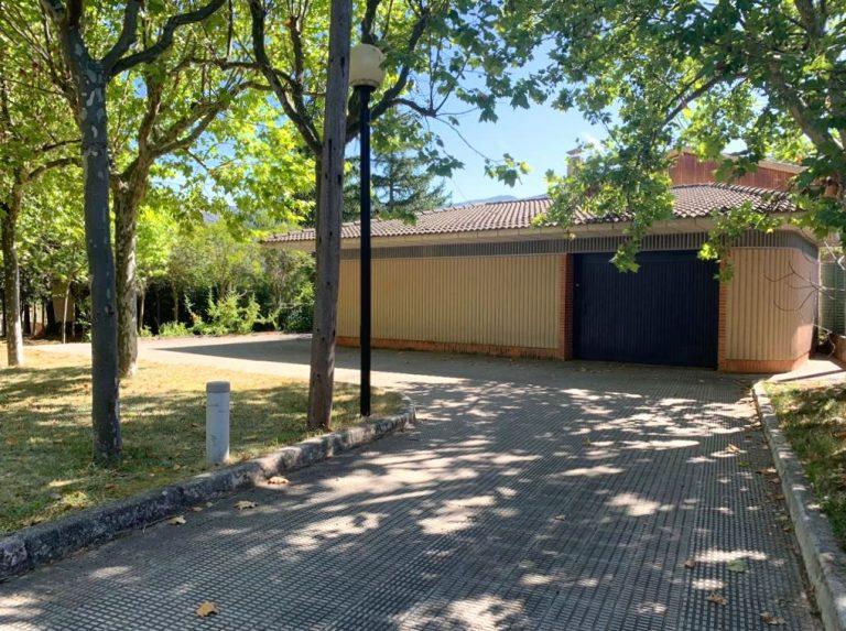 Instalaciones : Almacén y garage